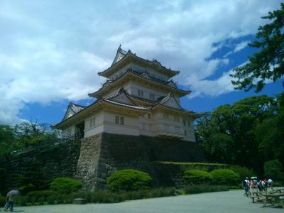 戦国時代最大といわれる規模を誇った小田原城と秀吉が一夜で築いたとされる石垣山一夜城