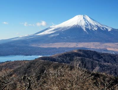 師走のトレッキング<1> (山中湖・石割山の富士)