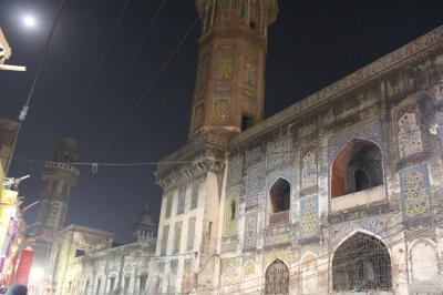 再びPAKISTAN3 牛車行き交う穀物スパイス市場散策 債権者に返済できず Lahore