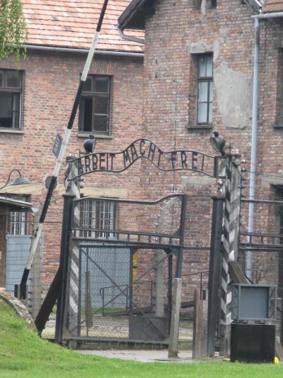 ポーランド(15)―負の遺産・アウシュヴィッツ博物館(第1強制収容所)へ
