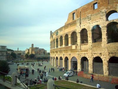 晩秋のイタリア周遊旅情・WT信の旅行三昧ここから始まる18アン王女のローマ観光・コロッセオ