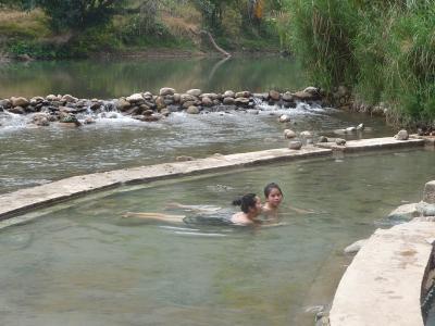 ラオス2015・・・(3)モン族の朝市から野天湯へGO