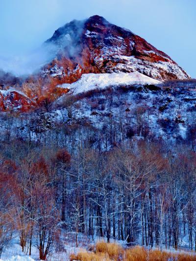 昭和新山 標高398mの溶岩円頂丘 ☆私有地にある火山は立入り禁止