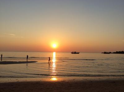 『寒さを逃れて初めてのタイ旅行、チャン島2日目  最後の夕焼け