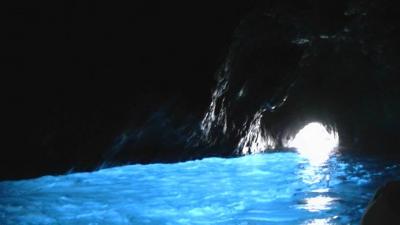 ヨーロッパ旅行 5-(5) ナポリでカプリ島ツアーに参加して青の洞窟へ