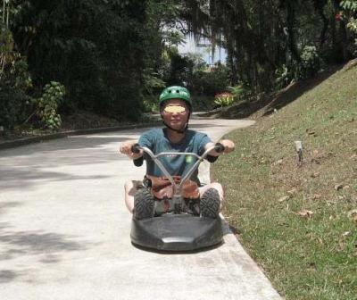 シンガポール 3-(2) セントーサ島でリュージュに乗り、夕方はラオパサで食事・・・