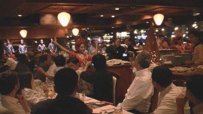 ホーチミン (2) 夕方はサイゴン川のディナークルーズに参加し、ディナーを堪能・・・