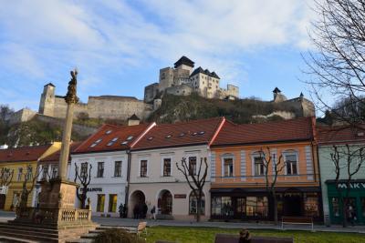 地味に真冬の東欧散策(2) - スロバキア - トレンチーン