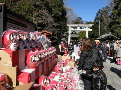 玉敷神社のだるま市に・・・