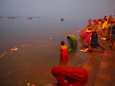久々に五感、いや六感を刺激された旅、インド    (6分の4 バラナシ編)