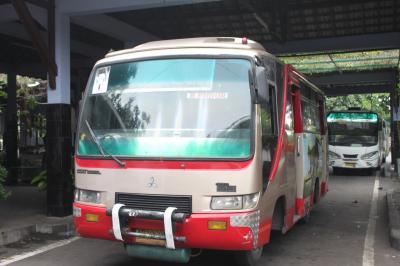インドネシア2015(2)ジャカルタ~ジョグジャカルタ~ボロブドゥール「ジョグジャからボロブドゥールへローカルバスで移動」(マノハラ宿泊)