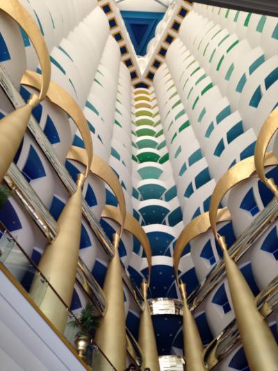 「魅惑のドバイ&アラビアンリゾートクルーズ」一人旅⑤☆7つ星ホテル「バージアルアラブ」はゴージャスな観光名所(^_^;)