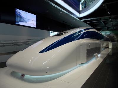 「21世紀の『翔ぶ! 鉄道』・・リニア・モーターカー 博物館&走行風景」そして「富士山と、 昭和の・・面影!残す 町『下吉田』」。