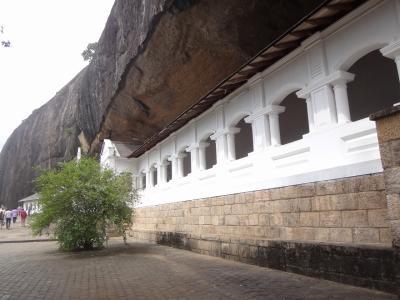 スリランカの世界遺産、ダンブッラの黄金寺院