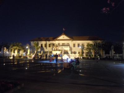 チェンマイ日記 2月8日 ③  夜市 (サンデーマーケット)までアパートから歩いて見た~