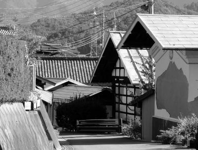 """にっぽん 原風景 ・ 山麓に 屋敷地が連なる、"""" お蚕さんの里 """"歩き 【 ぐんま絹遺産 ・ 六合赤岩 養蚕農家群 】"""
