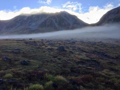 北陸の旅、朝霧の立山室堂で白虹を見る。日本最高所みくりが池温泉から能登和倉温泉へ