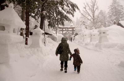 幻想的!上杉雪灯籠祭り