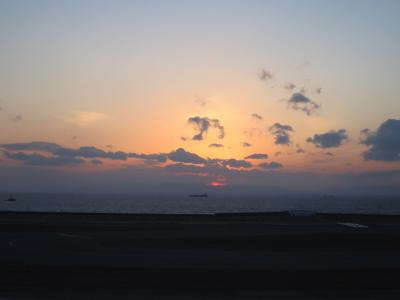夕陽がきれいなセントレア  JL146 中部ー羽田 国際線機材(737 ビジネス席)+スカイデッキ