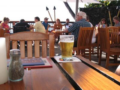 ハワイの風と出会う旅 5(アロハと夕日に乾杯)