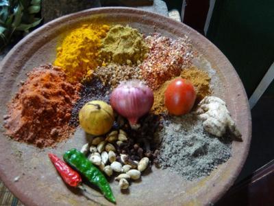 スリランカ旅行、色とりどりの食材、ローカルフード