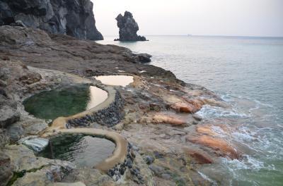 硫黄島に行って開放的な温泉や美しい自然を堪能してのんびり過ごしました