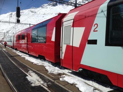 2015/04 スイス・ドイツ新婚旅行 第1日(NH203搭乗から、氷河特急でツェルマット到着まで)