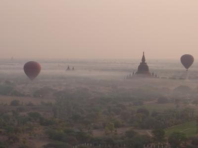 ぶらりミャンマー#1 バガンで馬車と気球に乗る!