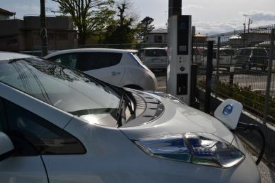 【日産リーフ】モニターで充電しながら国道一号線をドライブ!体験試乗、おすすめですよ。