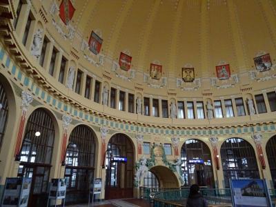 2014年12月プラハ(18) デイヴィツカー駅とプラハ本駅