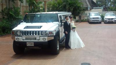 結婚式へ出席する人の付き添い  結婚式当日