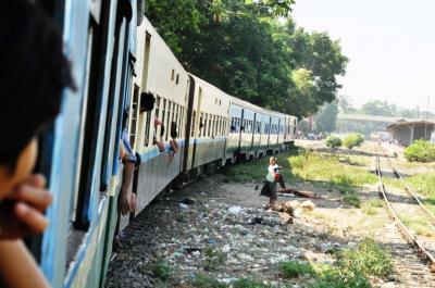 ヤンゴン近郊環状線(1)まず乗り方の基本を