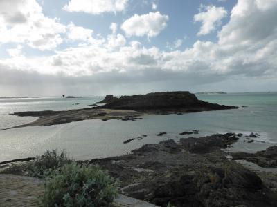 モンサン二日目 昼からドライヴでランチ そしてサンマロに 帰還後はダムから島まで巡礼の路