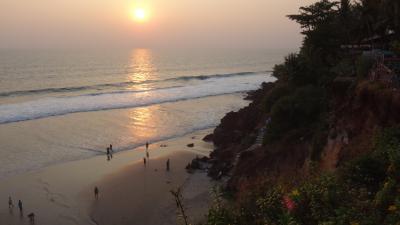 15年春節~インド南部の旅◇03 崖上の散歩道 バーカラ・ビーチ