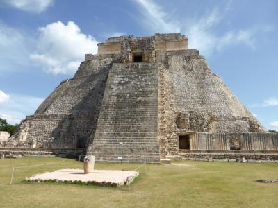 ウシュマル・カバー遺跡 (メキシコ旅行 その3)