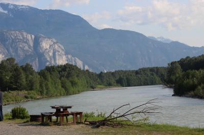バンクーバーから1泊2日の息抜き旅行、スコーミッシュ 4、ホテルの近くでお散歩しましょ。(Brackendale Eagles Provincial Park)