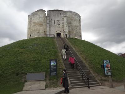 2015年英国紀行-4‐27年ぶりのヨーク、ヨークキャッスル博物館、クリフォーズタワー
