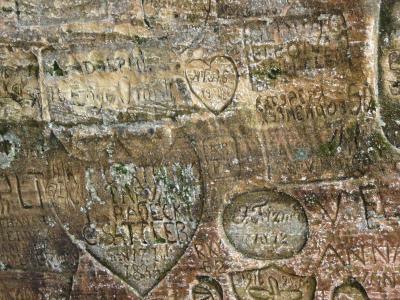 歴史を刻むワルシャワ&人間の鎖バルト三国9日間☆その19☆スィグルダ壱~グートゥマニャ洞穴で昔の人の恋まじないを見る♪