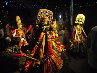 南西インド紀行20☆ヴァルカラで祭りを見たり泳いだり