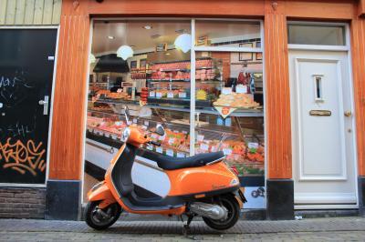 2015 レンタカーで巡る春のオランダ&ベルギー④ ~「王の日」は国中オレンジ色!アルクマールはフリマで大賑わい♪&世界一のチューリップ畑を探してドライブ~