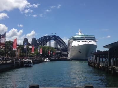 真夏のシドニー - 大都会で海を満喫する