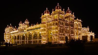 15年春節~インド南部の旅◇09 マハラジャの宮殿と古びた町並み マイソール