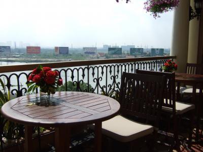 チャイナエアライン台北経由で行く、マジェスティックホテルサイゴン滞在で食べる・寝るだけのホーチミン旅行 2015年6月