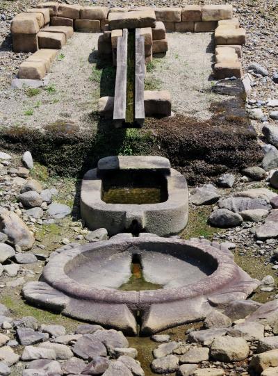 明日香5/7 亀形石造物・酒船石 用途は謎で ☆想像を廻らす遺跡