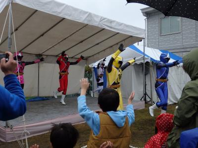 小雨の中「ニンニンジャー」ショーを観てきました。@SBSマイホームセンター(3週連続無料ショー鑑賞①)