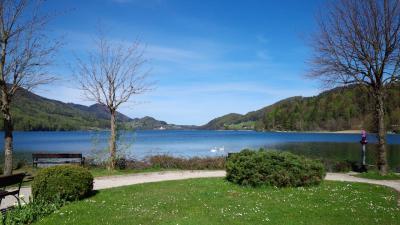 フシュル湖