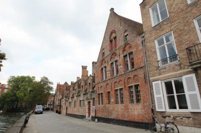 初ベルギー&ちょこっとパリ Vol.3 天井のない美術館。切妻屋根の街並みを散策 ブルージュその1