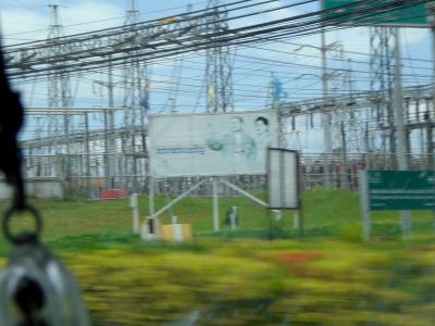 中国からラオスを経て、タイのマプタプットへ延びる計画の高速鉄道
