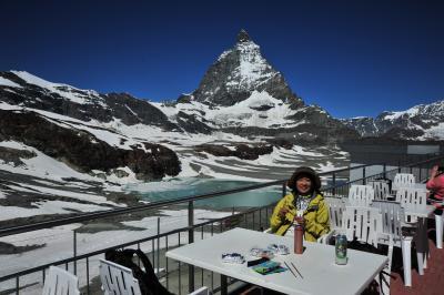 スイス花とハイキングの旅クラインマッターホルン