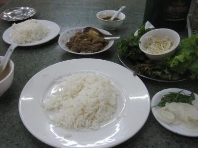 2015 ヤンゴンでお寺巡りしたあとはおいしい定食を食べてからニャアゼー(夜市)へ!